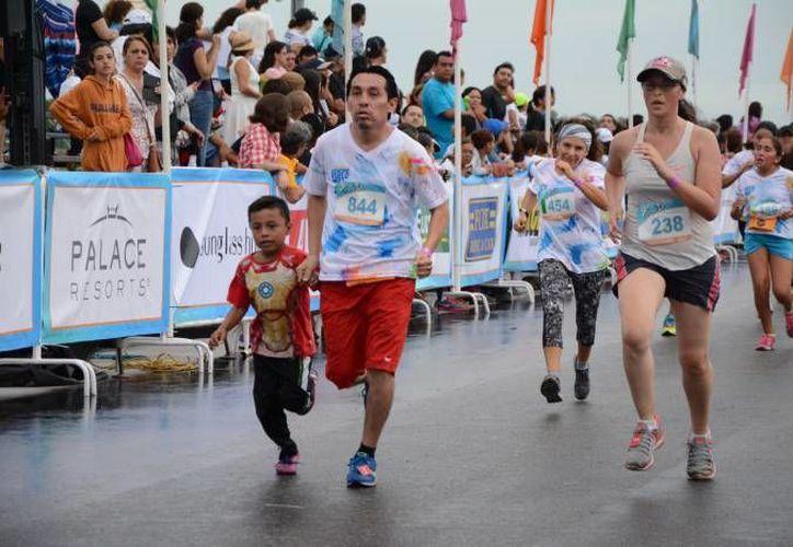La 1° Carrera de la Revolución en Celestún, de 5 kilómetros, incluirá una bolsa absoluta de 12 mil pesos en efectivo. (SIPSE/Foto de contexto)
