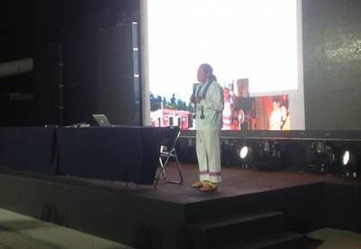 Hilario Chi Canul ofreció una conferencia en el marco del Tianguis Turístico. (Redacción/SIPSE)