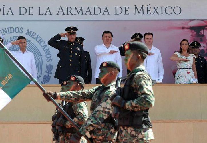 El presidente agradeció a la Armada su ejemplar valor en la preservación de la seguridad interior. (presidencia.gob.mx)