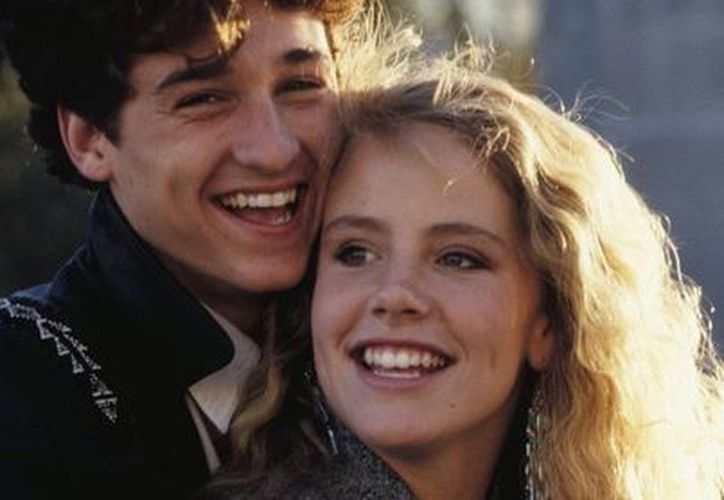 Patrick Dempsey y Amanda Peterson protagonizaron el filme juvenil Can´t buy me love' en 1987. Ella falleció este domingo. (pinterest.com)