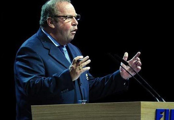 Michel D'Hooghe dijo que uno de los problemas es el traslado de una sede a otra con mucho calor. (fr.fifa.com/Archivo)