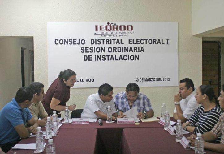 En caso de que el Consejo General avale las impugnaciones se tendría que llamar a los suplentes para que realicen la tarea de los funcionarios impugnados. (Jorge Carrillo/SIPSE)