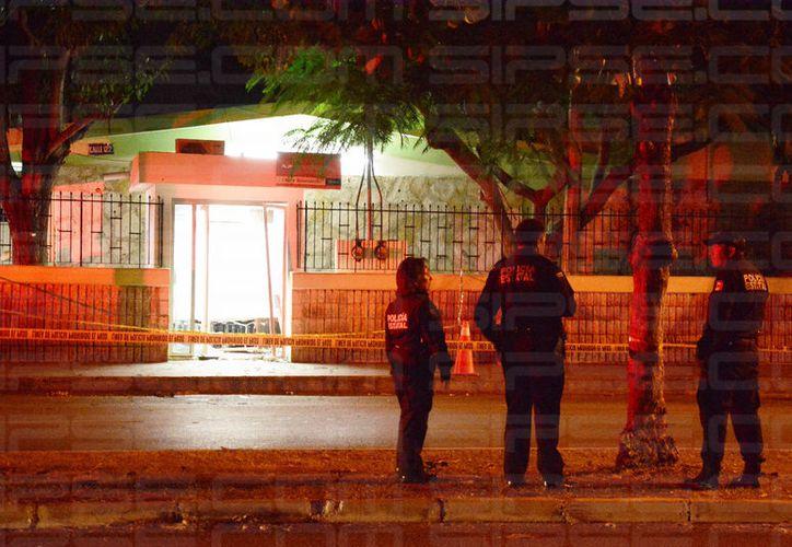 Los ladrones abrieron el cajero para llevarse todo el efectivo. (Martín González/SIPSE)