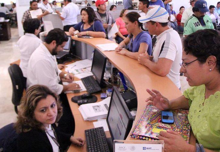 Las oficinas del SAT en Mérida registraron gran actividad en los últimos días. (Milenio Novedades)