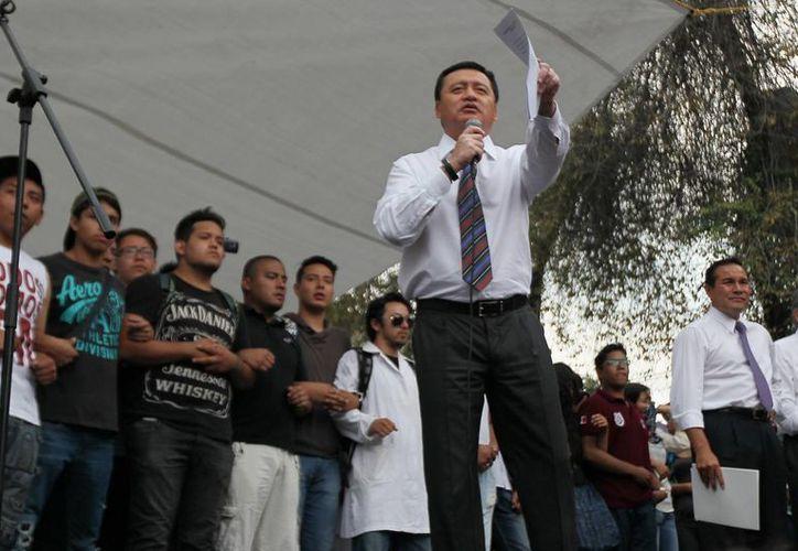 Hace unos días el titular de la Segob, Miguel Angel Osorio Chong, se reunió con estudiantes y personal del IPN para tratar de llegar a acuerdos. (Notimex)