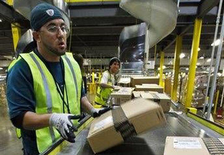 Amazon añadió bebidas alcohólicas a su servicio de entregas en una hora en Manhattan. Hasta ahora esa posibilidad existía solamente en Seattle, la sede de la compañía. (AP)