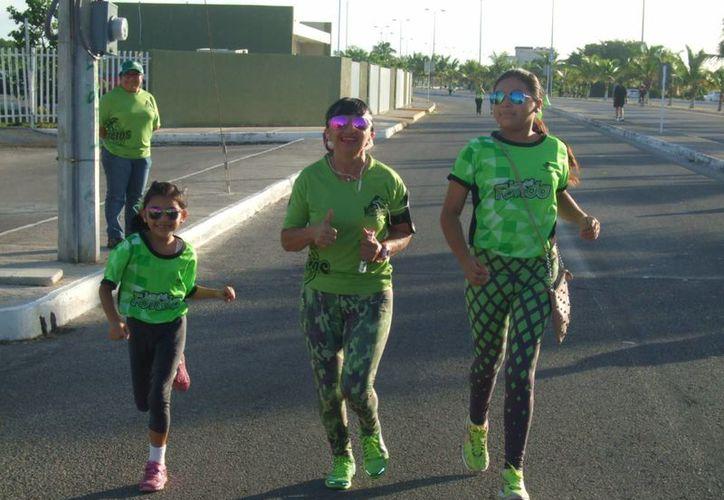 La Primera Gran Carrera del Campo, que se realizó en las instalaciones de la Feria Yucatán Xmatkuil, reunió a grandes y chicos. (SIPSE)