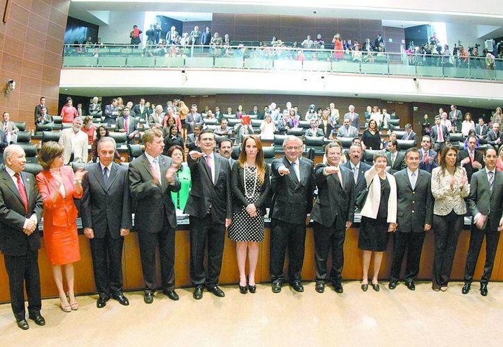 Sesión en que los diplomáticos rindieron protesta, acompañados por familiares e invitados especiales. (Milenio)