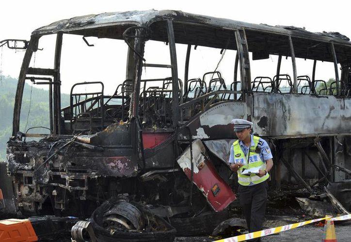 En el incendio del autobús murieron 35 personas y 20 resultaron heridas, en la provincia de Hunan. (AP)