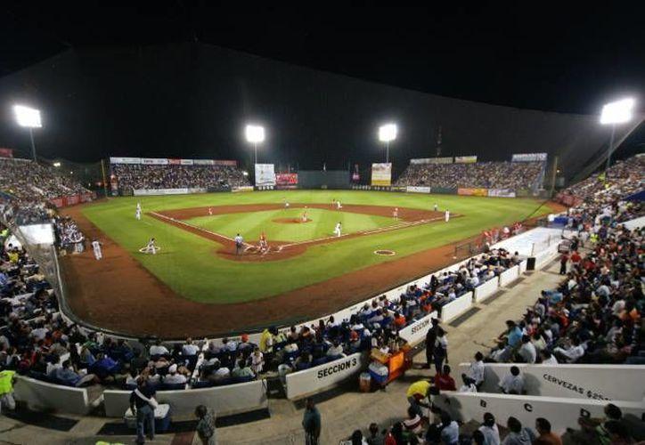 El estadio de béisbol 'Beto Ávila' cumple 36 años. (Archivo/SIPSE)