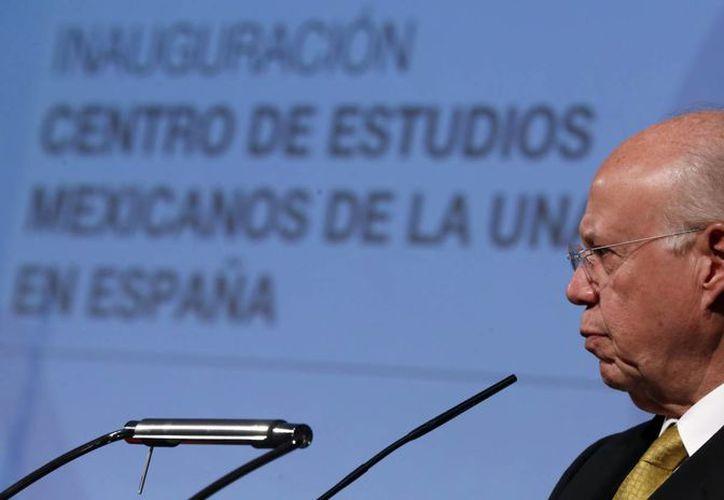 El rector de la UNAM José Narro Robles signó el acuerdo de colaboración con el Instituto Cervantes de España. (EFE)