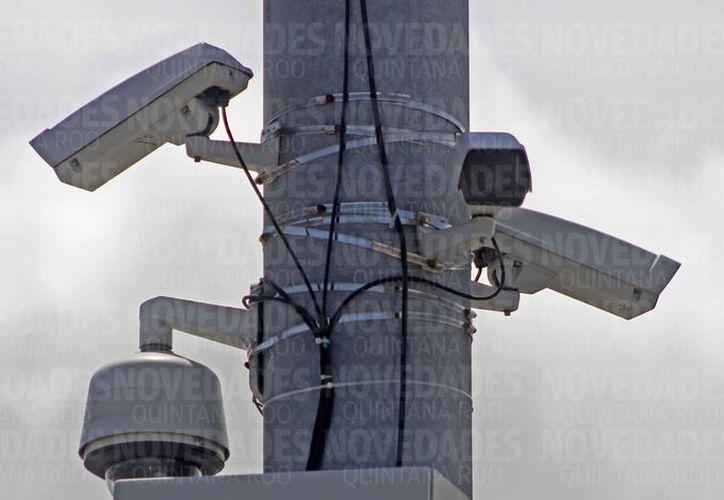 Los dispositivos se ubicarán en arcos de seguridad en los principales accesos carreteros de la entidad. (Jesús Tijerina/SIPSE)