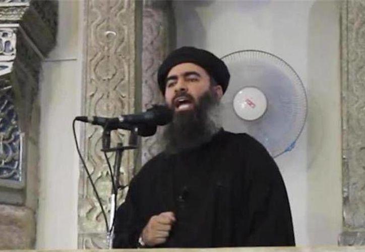 El líder del Estado Islámico, Abu Bakr Al Baghdadi, explicó detalladamente cuál es su estructura y cómo distribuye la responsabilidad entre sus distintas ramificaciones. (Imagen de archivo/ AP)