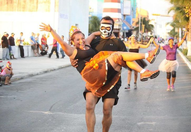 Los participantes realizaron un recorrido de cinco kilómetros. (Redacción/SIPSE)