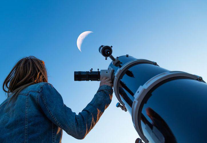 El evento se realiza en el marco de la Noche Internacional de Observación de la luna. (Foto: Contexto/Internet)