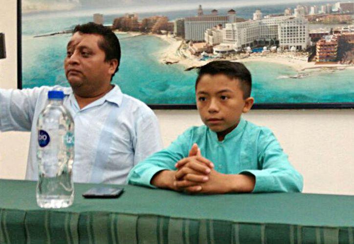 El alumno Ángel Jacinto vive en una comunidad maya. (Jesús Tijerina/SIPSE)