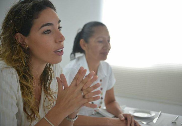 Beatriz Tinajero destacó que es importante mejorar la oferta turística para satisfacer a los visitantes. (Gustavo Villegas/SIPSE)