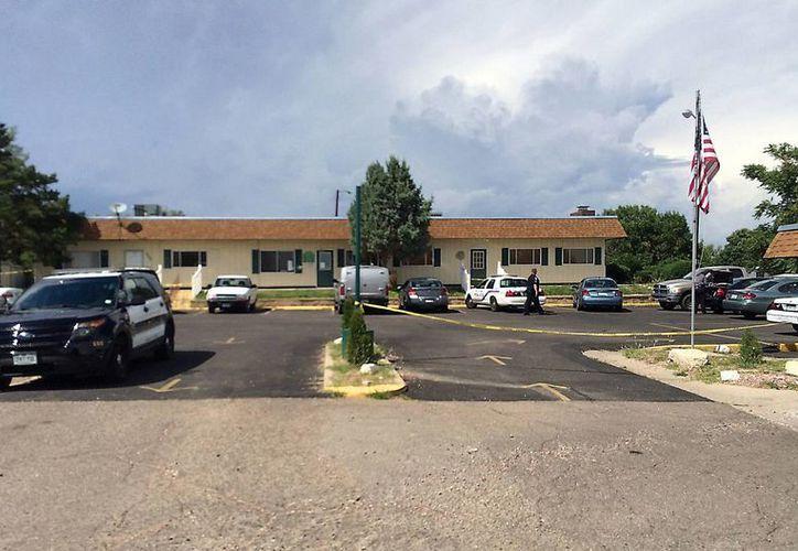 Foto difundida el 8 de agosto del 2016, por el Departamento de Policía de Pueblo, Colorado, muestra el exterior de Pueblo Grande Village, complejo de casas móviles, donde se ahogaron tres personas. (Foto: Departamento de Policía de Pueblo vía AP)