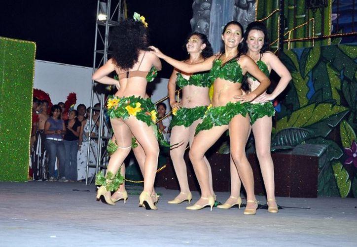 Con el objetivo de fortalecer la identidad cultural y conservar las tradiones del carnaval en el municipio. (Jorge Carrillo/SIPSE)