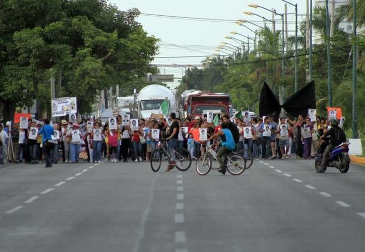 Aproximadamente 300 ciudadanos marcharon el miércoles 8 de este mes en esta ciudad. (Archivo/SIPSE)