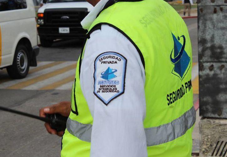 En Quintana Roo las empresas privadas dedicadas a la seguridad y vigilancia sumaron 138 en 2011. (Ángel Castilla/SIPSE)