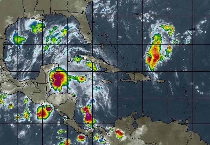 Se prevén tormentas durante el transcurso del día. (Intellicast)