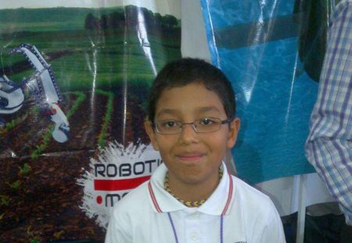 José Pablo Bautista Tapia estudia en el colegio Comunidad Educativa del Sol. (Sergio Orozco/SIPSE)