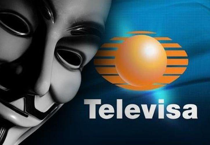 Varios activistas se hicieron eco de la convocatoria para la acción #OcupaTelevisa. (www.actualidad.rt)