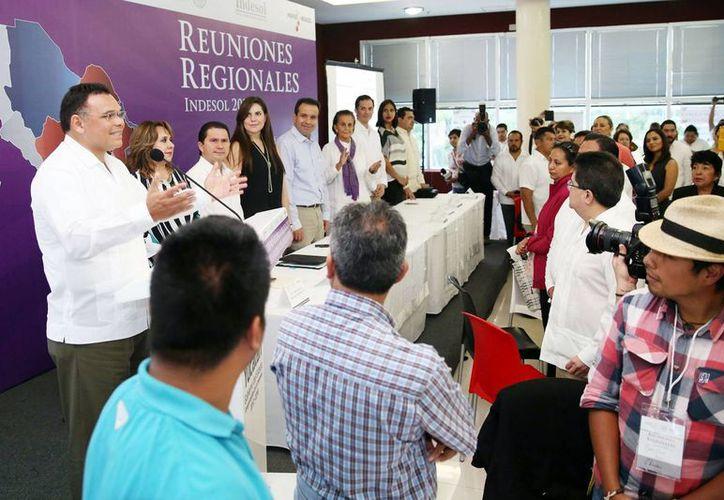 El Gobernador inauguró los trabajos de la Reunión Regional del Programa de Coinversión Social. (Milenio Novedades)