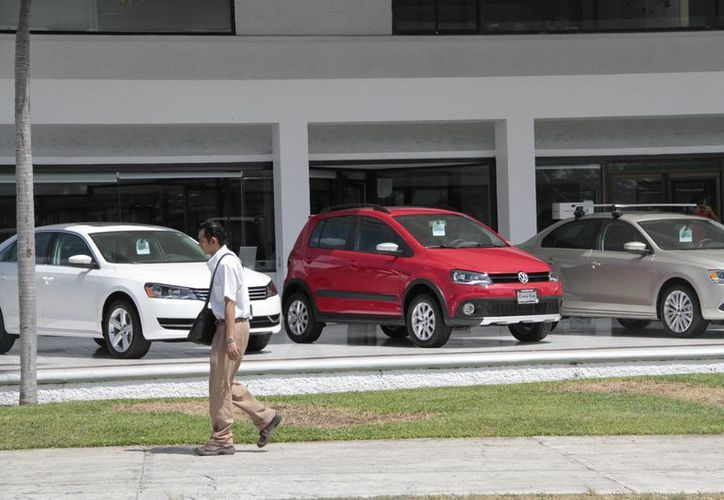 La marca que más se comercializa en Cancún es la Volkswagen. (Tomás Álvarez/SIPSE)