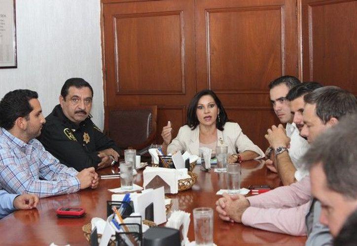 La reunión de los empresarios con mandos de la SSP. (Cortesía)