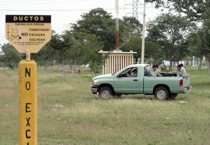 Pemex realiza la vigilancia para evitar el robo de combustible. (Milenio Novedades)