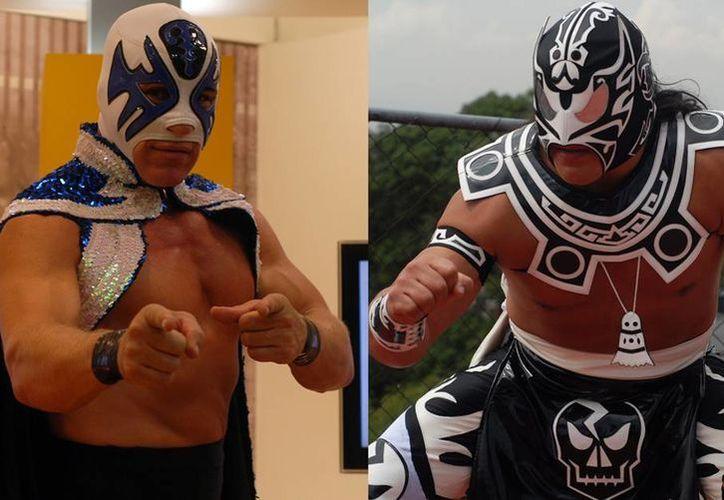 """Sin nada ni nadie que se entrometa, mañana sólo serán Atlantis (i) y Último Guerrero en el ring de la Arena México en una batalla """"a muerte"""". (Notimex)"""