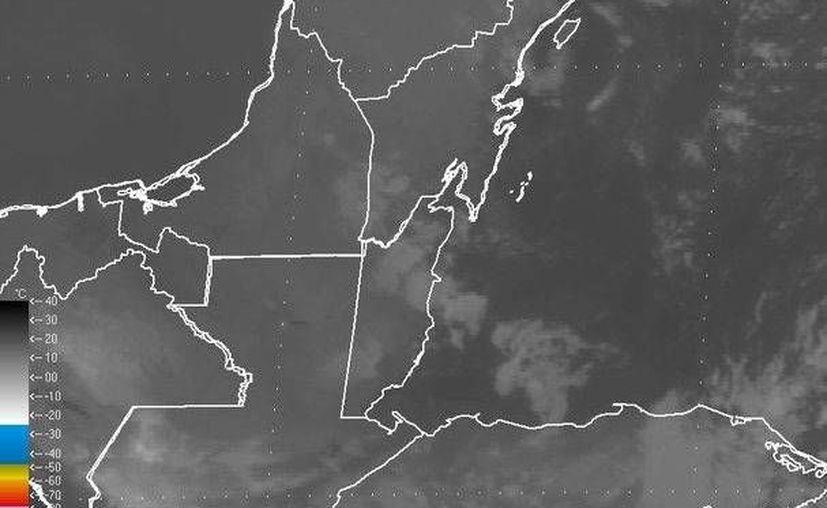 Se espera un cielo parcialmente nublado, con probabilidad de lluvias del 10%. (Redacción/SIPSE)