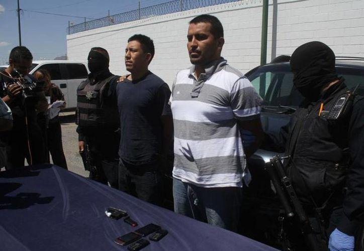 Tras la agresión al exsecretario de Seguridad Pública Municipal de Ciudad Juárez, Julián Leyzaola Pérez, fueron detenidas dos personas. (twitter/@Notisistema)