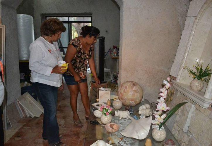 Ana Rosa Payán ofreció todo el apoyo del Ayuntamiento a los artesanos de Dzityá. (Cortesía)