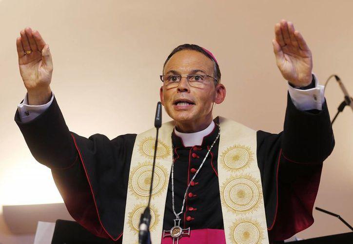 La suerte del obispo se decidirá una vez se conozca el resultado de la investigación que realiza una comisión eclesiástica sobre los gastos. (Agencias)
