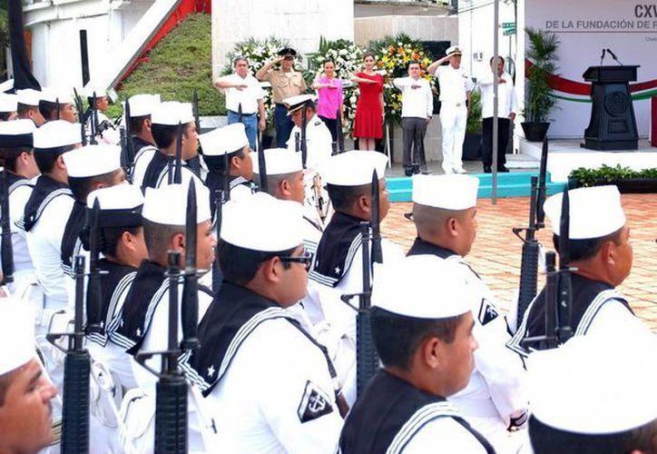 Durante el evento se entonó el Himno a Quintana Roo y Nacional Mexicano. (Redacción/SIPSE)