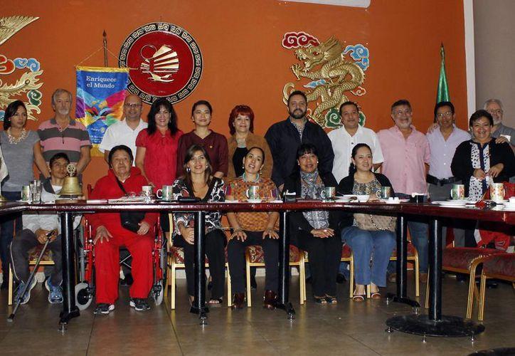 Ayer se realizó la acostumbrada reunión de integrantes del club. (Yajahira Valtierra/SIPSE)