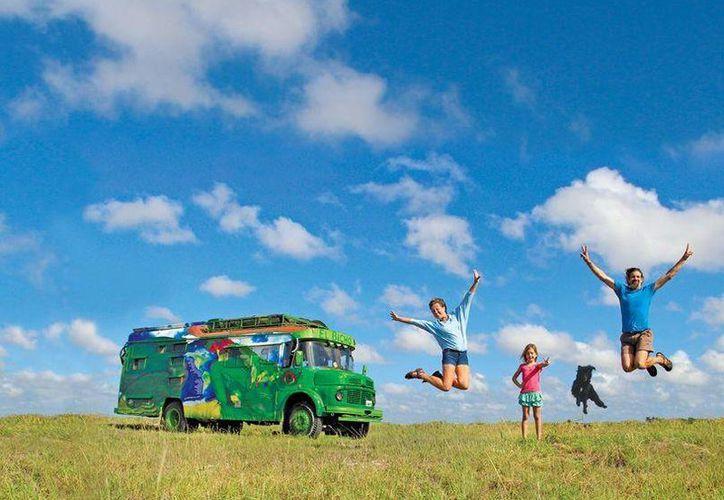 La familia salió de la Patagonia con el deseo de llegar a Alaska. (facebook.com/elbicho.latino)