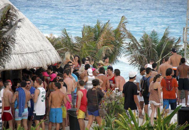 Los ingresos de la ciudad provienen de las actividades turísticas. (Israel Leal/SIPSE)