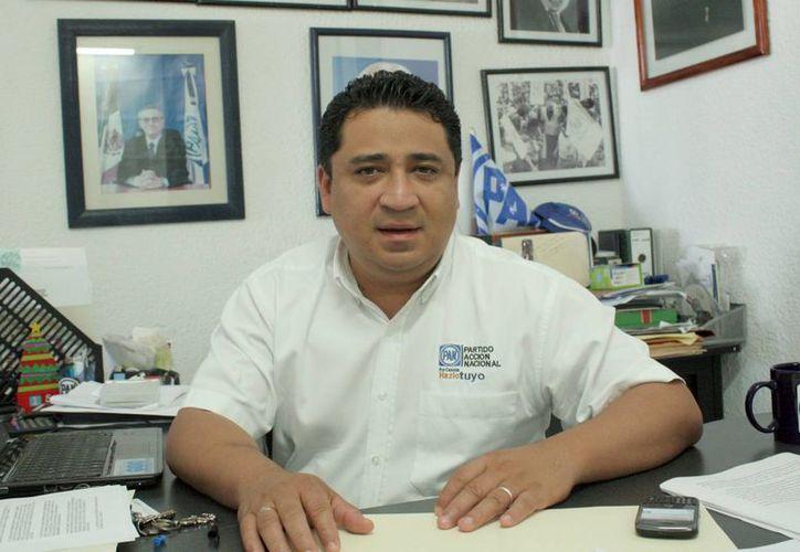 Eduardo Martínez Arcila, líder estatal del PAN, dijo que el blanquiazul estará pendiente para que se cumpla la redistritación. (Tomás Álvarez/SIPSE)