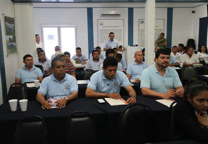 La empresa Hodiser llevó a cabo cursos de capacitación para su personal. (Redacción/SIPSE)
