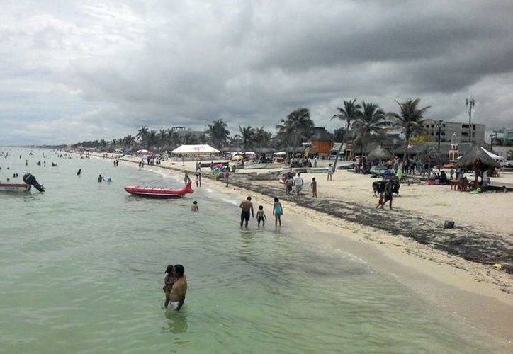 Las playas progreseñas se observaron con pocos bañistas. (SIPSE)