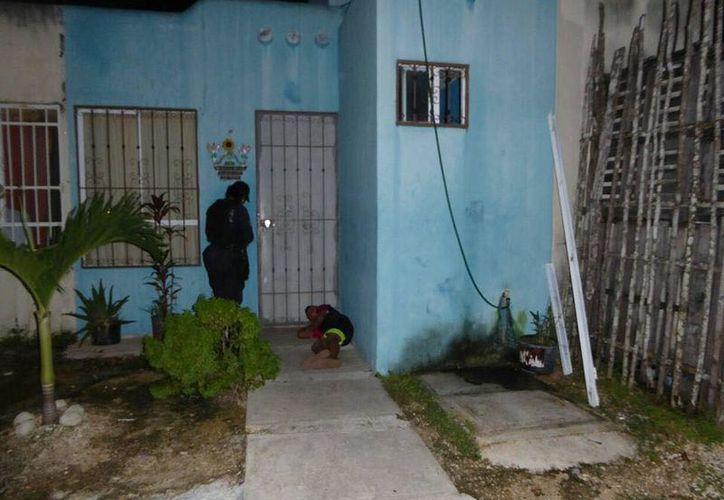 Vecinos reportaron que un menor de ocho años se encontraba durmiendo en las afueras de su domicilio. (Union Vecinal Solidaridad).