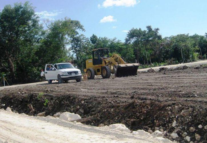 Actualmente la construcción se encuentra en la etapa de compactación del terreno. (Javier Ortiz/SIPSE)