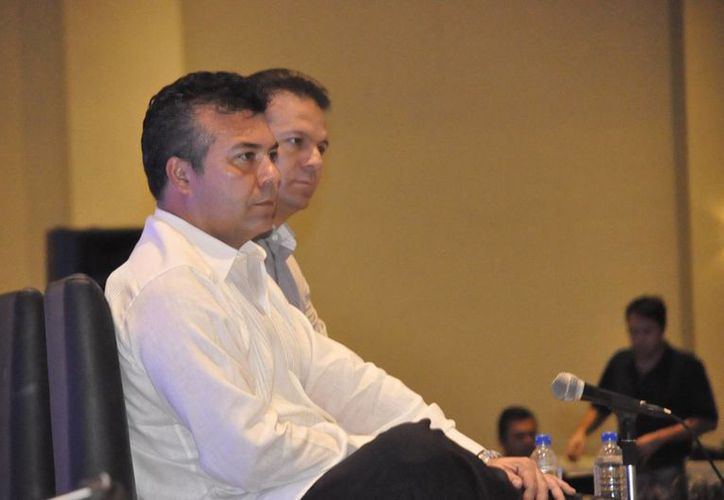 El presidente municipal de Solidaridad durante una entrevista. (Loana Segovia/SIPSE)