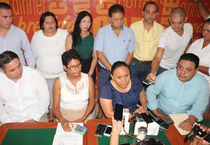 La presidenta municipal de Solidaridad, Cristina Torres Gómez, pidió una fe de hechos sobre las sesiones de Cabildo extraordinarias hechas recientemente. (Adrián Barreto/SIPSE)