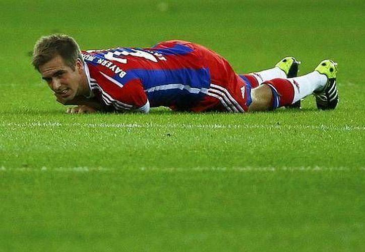 Phillip Lahm, campeón del Mundial de Brasil con Alemania, se fracturó un tobillo en un entrenamiento con Bayern Munich. (abc.es)