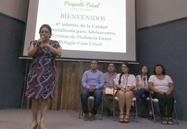 María Jesús Ocaña Dorantes, durante el informe de Proyecto Crisal. (Milenio Novedades)